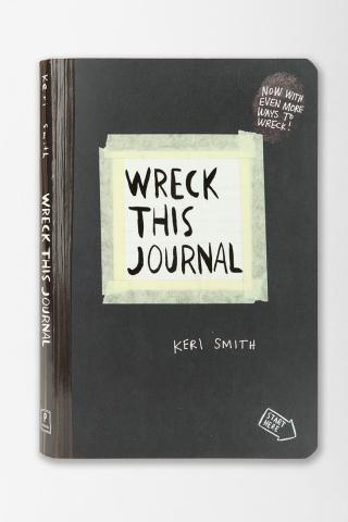 http://quelques.pages.cowblog.fr/images/dossier2/wreckthisjournal.jpg